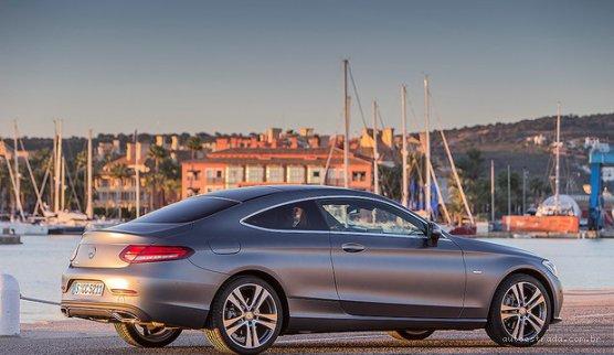 (C205): Mercedes-Benz apresenta nova geração do Classe C Coupé no Brasil Not_1468279095